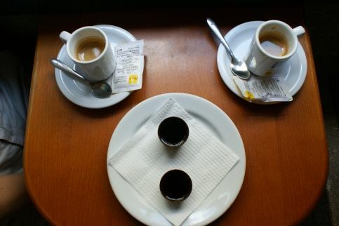 Espresso i Ginja w czekoladowym kieliszku