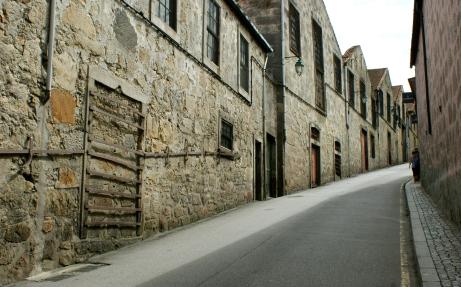 puste ulice w Vila Nova da Gaia, droga między licznymi winiarniami